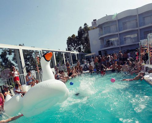 Los angeles nightclubs pool parties bottle service - Best hotel swimming pools in los angeles ...